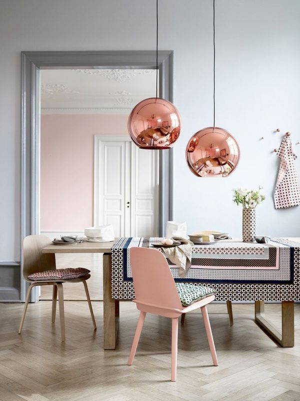 copper-globe-shiny-hanging-lights-for-dining-table-600x801
