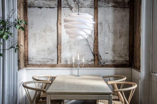 origami-style-white-large-pendant-lighting-600x398